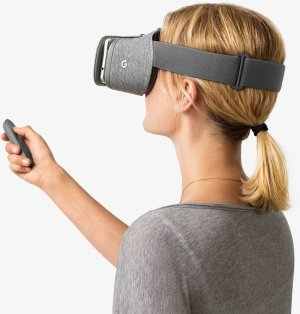 google-daydream-headset-worn